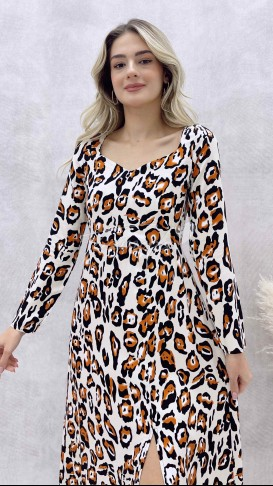 Kalp Yaka Desenli Elbise
